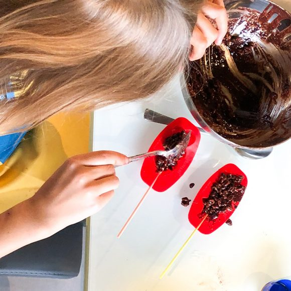 Kinder Silikonform Lollipop fuer Schokoladen Lutscher
