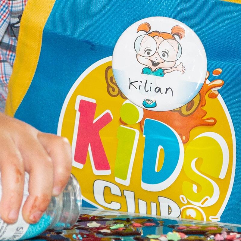 kinder-schokolade-selber-machen-rohkakao-schoko-kids-club-button-1253-800x800min